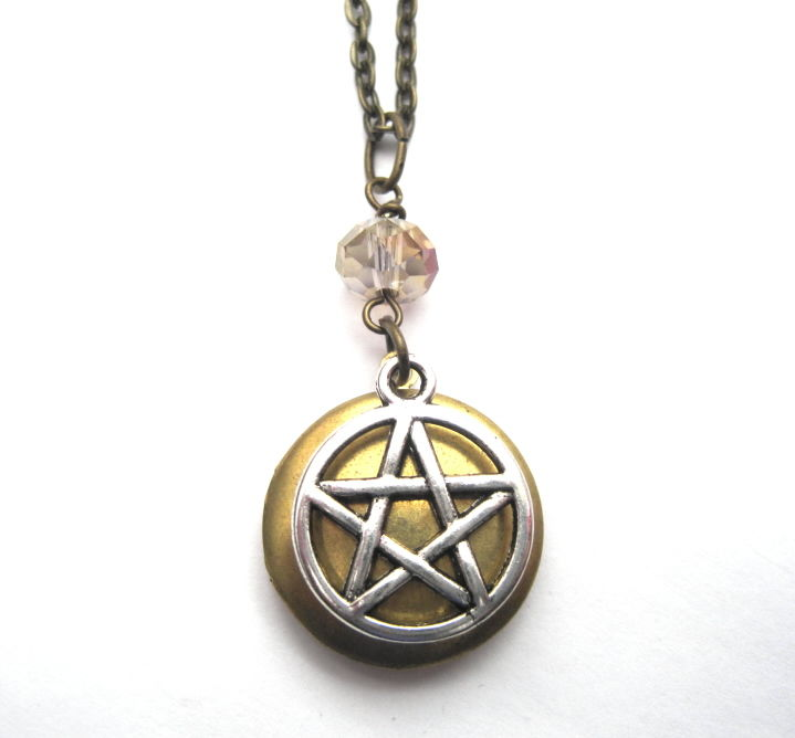 Pentacle Locket Necklace Mystic Witch Vamps Jewelry