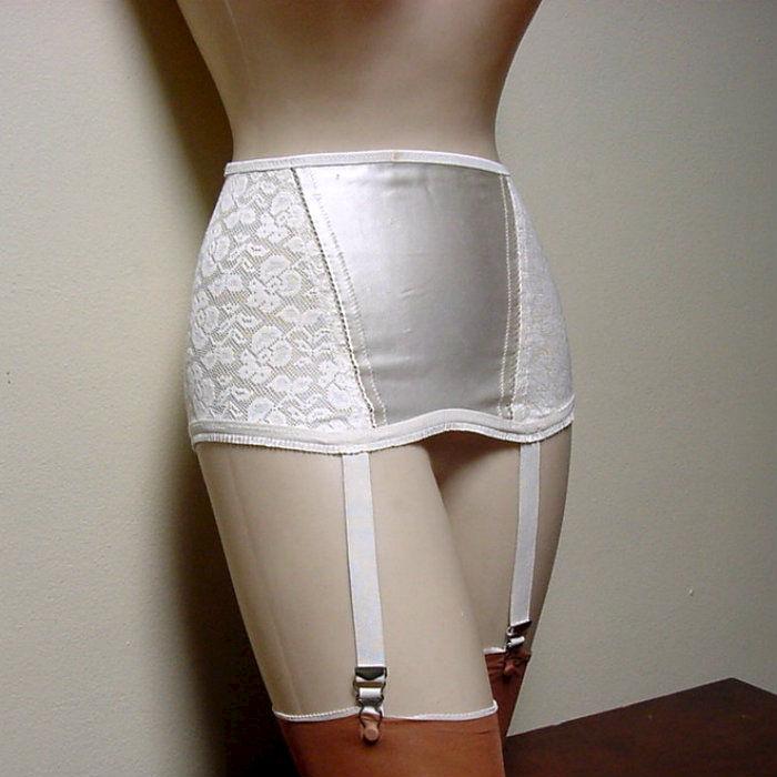d924dbb9deb 60s Sexy Snappi Garter Belt 28w - Pretty Sweet Vintage