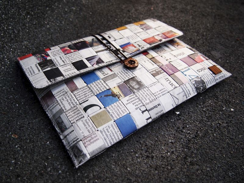 Newspaper computer / talet bag (custom made for any model between 8-11 1)