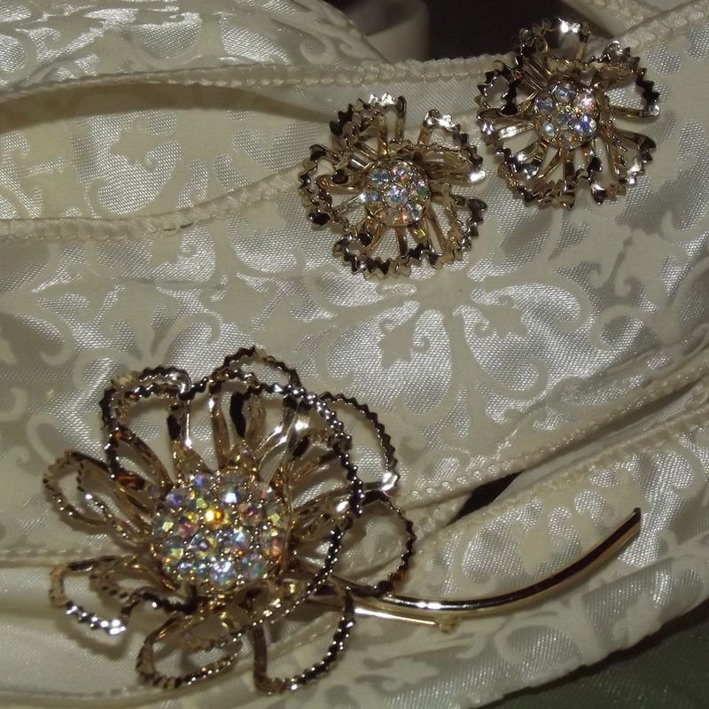 Sarah Cov Allusion Set Faith S Serendipity Vintage Jewelry