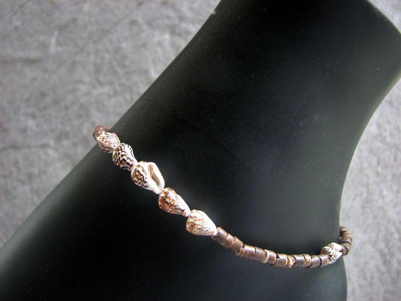 1af201888 Sea Shell and Coconut Ankle Bracelet