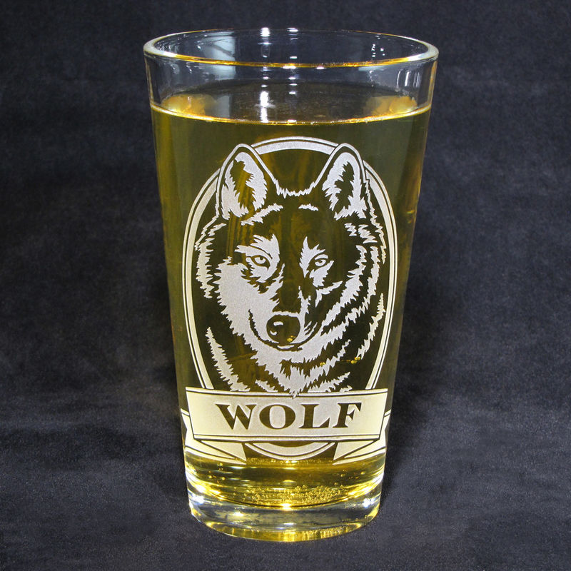 1 Personalized Beer Glass With Wolf Etched Glass Pint