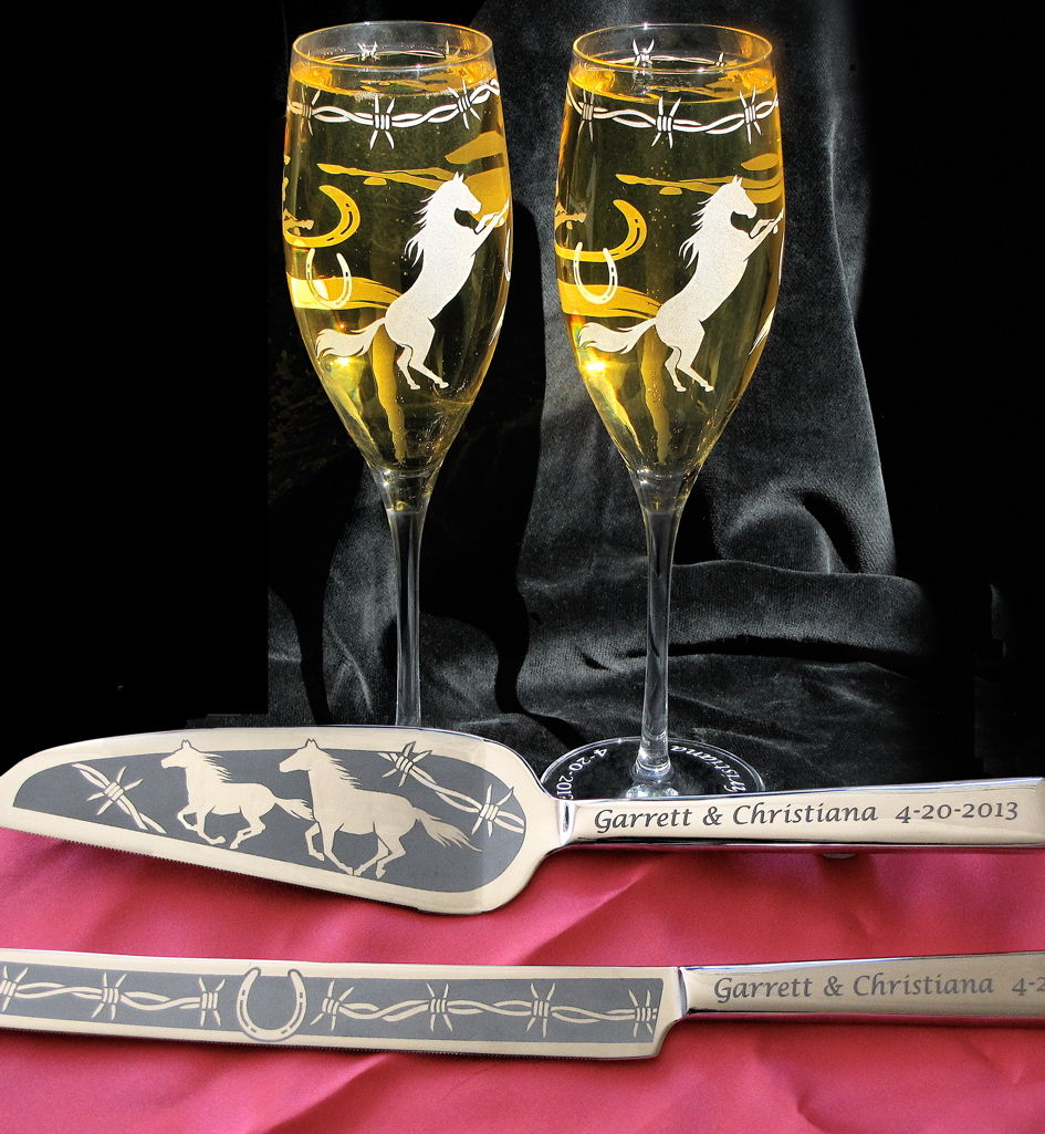 personalized horse themed wedding cake server and champagne flutes country western wedding. Black Bedroom Furniture Sets. Home Design Ideas
