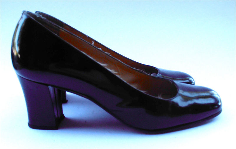 Vintage Black Vintage Basic Black Patent Leather Pump Classic Retro Ladies  Shoes Round Toe Shoe Size 8 Chunky High Heel Traditional Womens ...