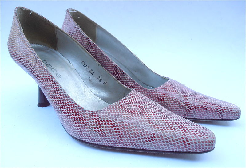 12c18f63a5235 Vintage Red White Snakeskin Ladies Pumps Shoes Bebe Designer Womens Size  7.5 Flared Heels Pointed Toes Size Villacollezione Villa Collezione
