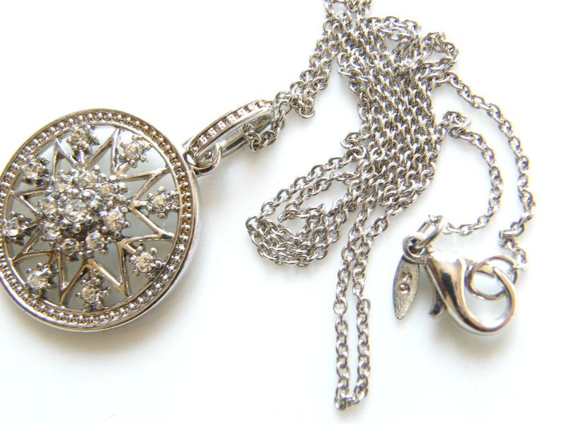Vintage Snowflake Pendant Necklace Avon Sterling