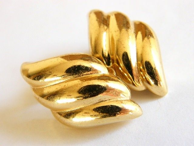 Vintage Designer Couture Dior Clip Earrings Gold Plated Ribbed Pattern Product Images Of