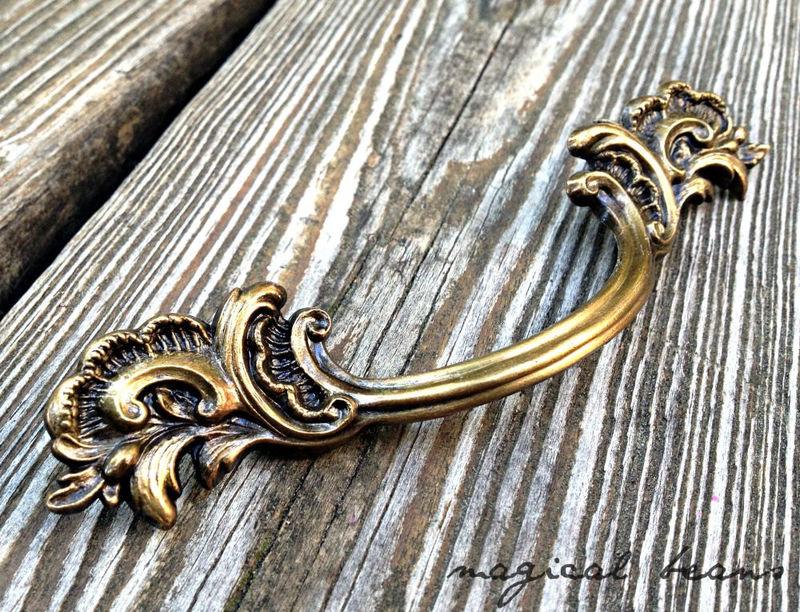 Vintage Keeler Brass Co French Provincial Flared Leaf Pull