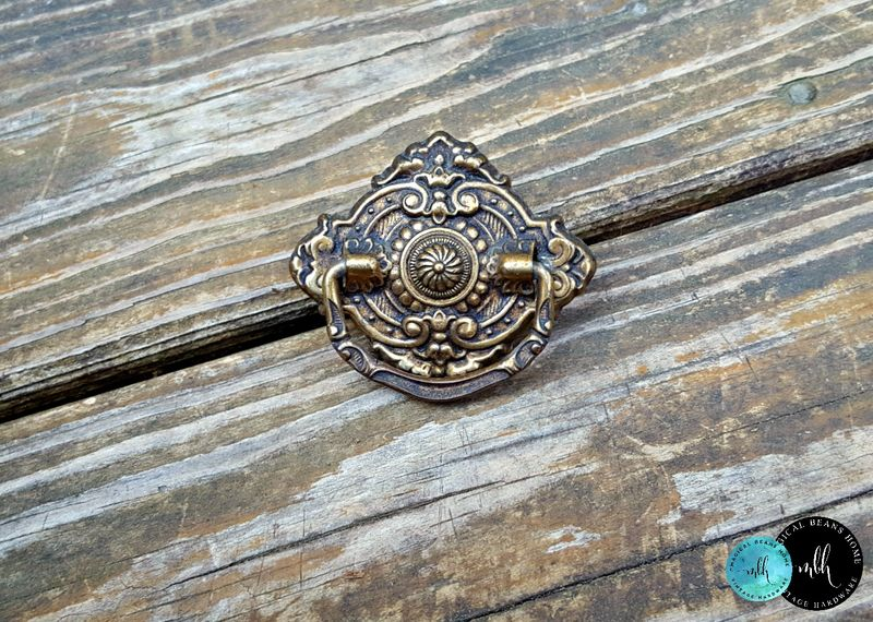 Vintage Victorian Drop Bail Pull In Pressed Brass