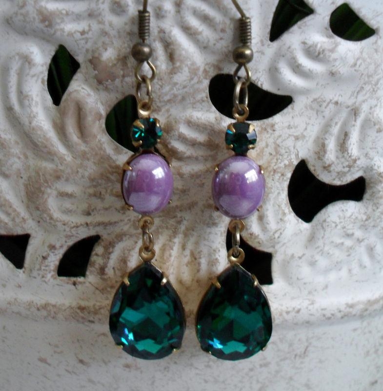 d321965cbebd5 VINTAGE SWAROVSKI Rhinestone Drop EARRINGS / emerald green / mauve / Estate  Style / Vintage Rhinestone / Dangle / Vintage Stones / Gift Box
