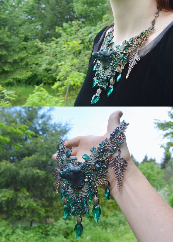 Jade Green Wolf Necklace In Wire Wrap Agate And Swarovski