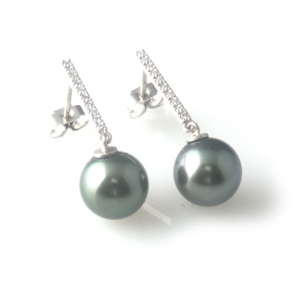 f58dd99ab4ab6 'Pearl Wonder' - white gold earrings with black tahitian pearls and diamonds
