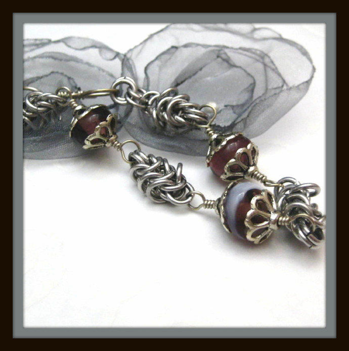 c91cbd6044629 Purple And White Lampwork Glass Bracelet And Box Chain Chainmail Links
