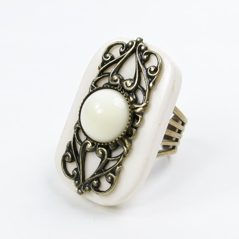 Jan Michaels Elizabethan Ring in White Bone